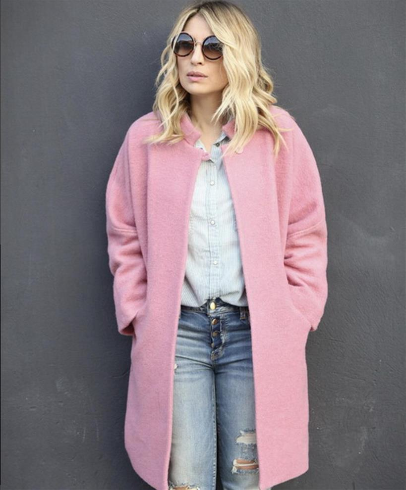 Mαρία Ηλιάκη: Ποζάρει με το πιο stylish παλτό!