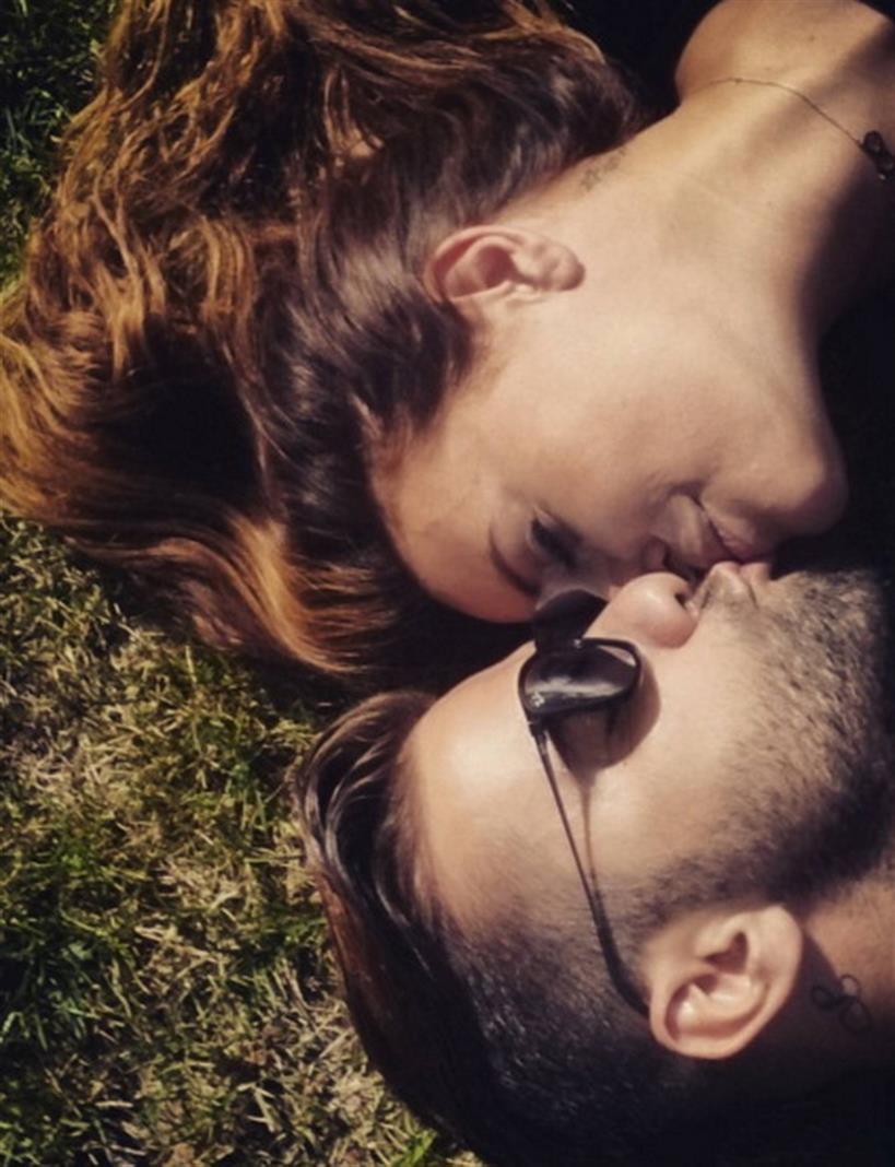 Χρηστίδου - Μαραντίνης: Γιορτάζουν τον έρωτά τους και δημοσιεύουν φωτογραφία με καυτό φιλί!