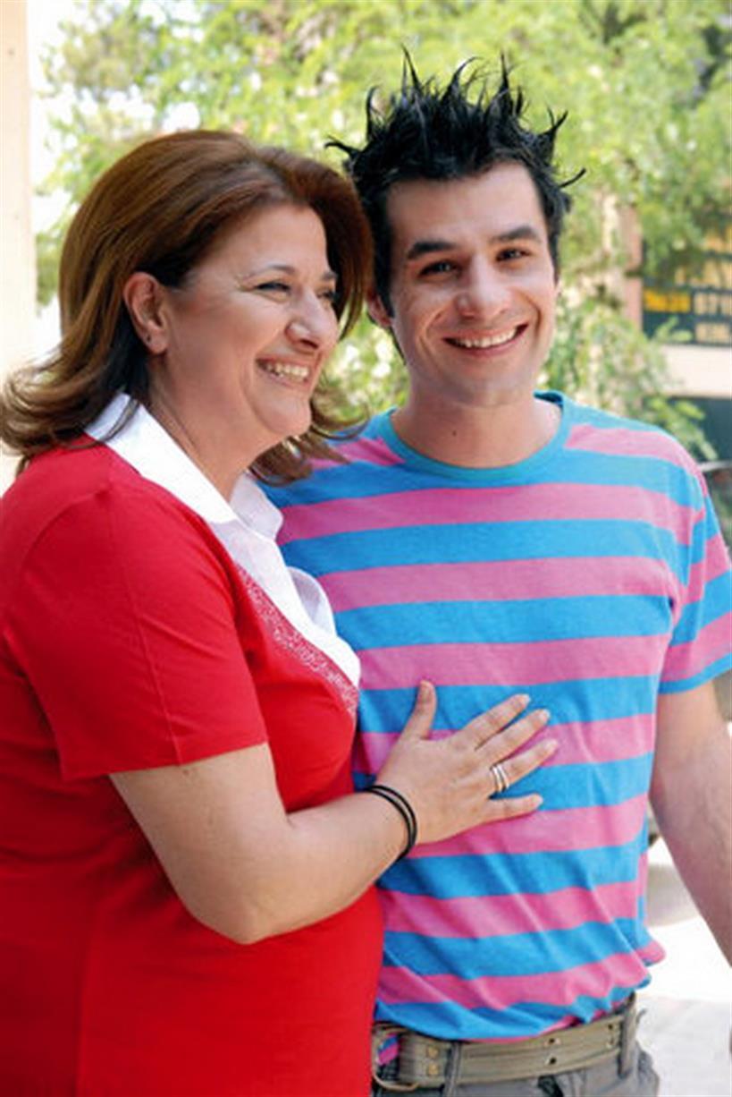 """Δημήτρης Τσέλιος: Μιλά ο νεαρός σύντροφος της Ελισάβετ Κωνσταντινίδου: """"Η σχέση μας είναι καρμική"""""""