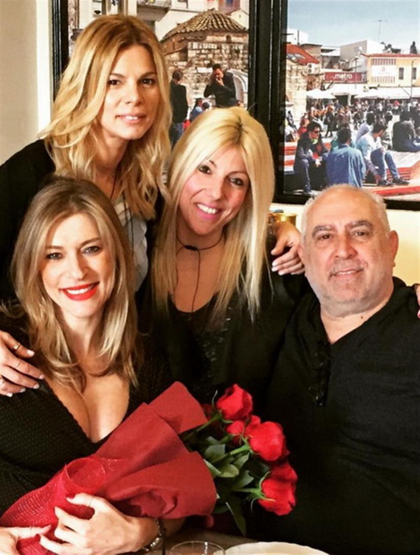 Μια αγκαλιά τριαντάφυλλα για την εγκυμονούσα της ελληνικής showbiz ανήμερα του Αγίου Βαλεντίνου
